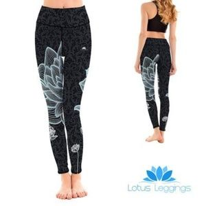 🌿Lotus Blackout Leggings Size S🌿